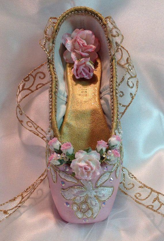 Pink+and+Gold+Sugarplum+Fairy+decorated+pointe+by+DesignsEnPointe