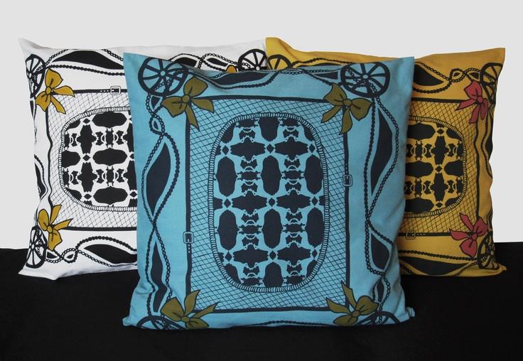 Bow pattern cushions