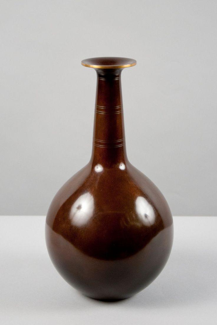 Just Andersen - Vase in patinated bronze.