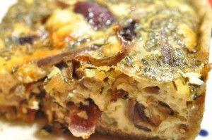 Lækker tærte med rødløg, bacon og timian