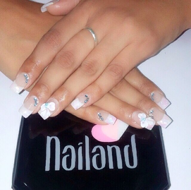 Acrílicas en 3D! #nails #nailandbeautybar #nailbar #Barranquilla