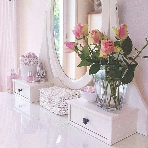 Pretty dressing table