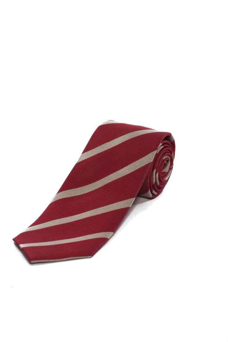 Portez le rouge avec cette cravate rayée! - Wear red with this striped tie! www.tristanstyle.com