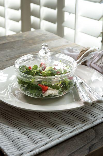 Naczynie szklane z pokrywą Buon Appetito. Szklane naczynie z serii Buon Appetito. Doskonałe do sałatek i innych kolorowych potraw.