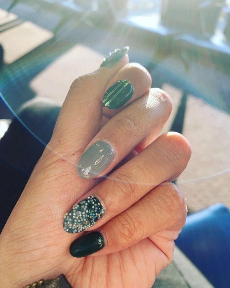 Hallo Oktober 💚 • • • #autumnnails #greennails #nailart #manicure #nail …   – Nail Ideas