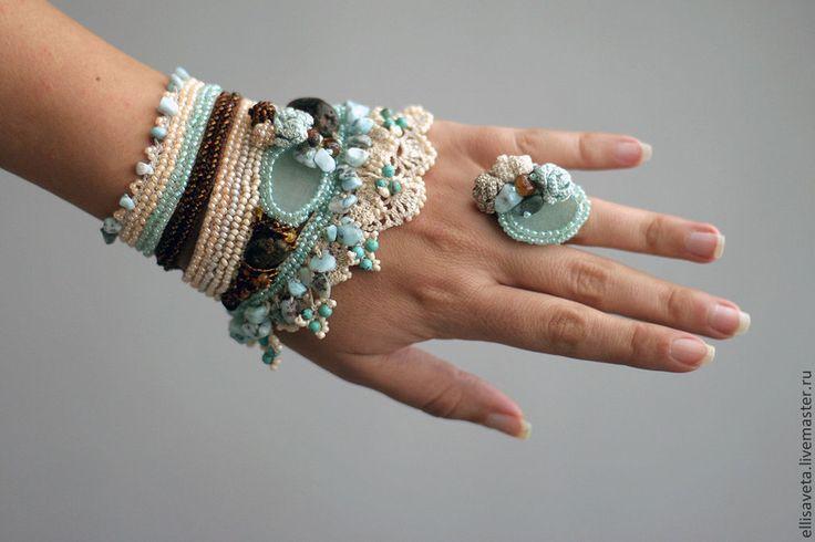 Купить Вязаные браслет с кольцо - ларимар, янтарь, бирюза - бежевый, Вязание крючком, вязаные бусы