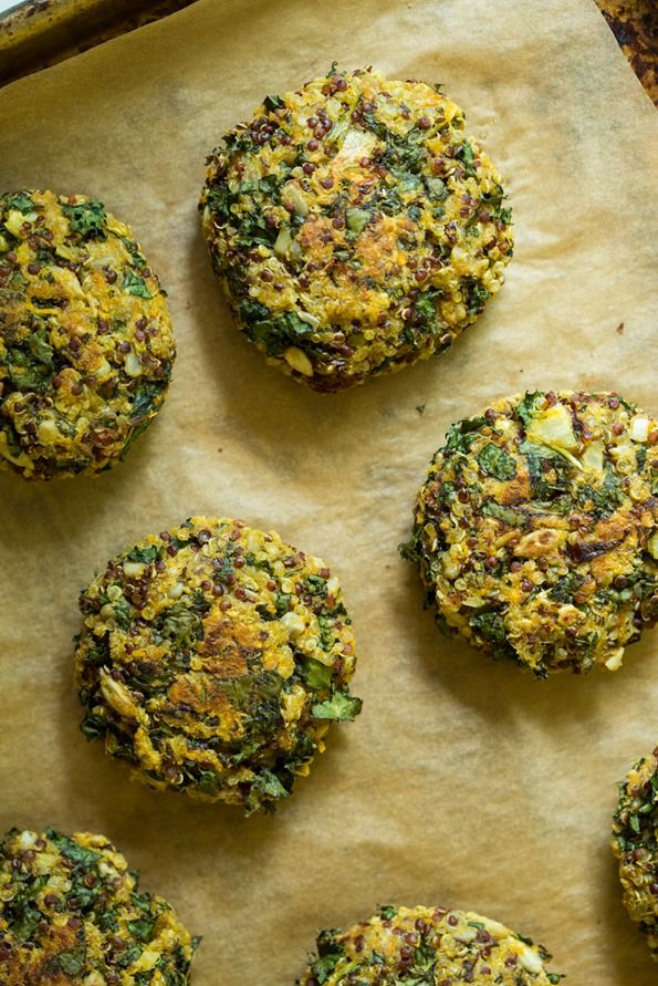 Looking for a healthy freezer-friendly meal? These crispy quinoa cakes are the perfect option - they're easy to make and taste delicious!
