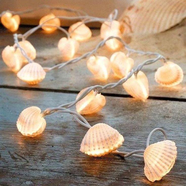 Um toque do mar nas luzes de natal. #chegounatal  Pinterest:  http://ift.tt/1Yn40ab http://ift.tt/1oztIs0 |Imagem não autoral|