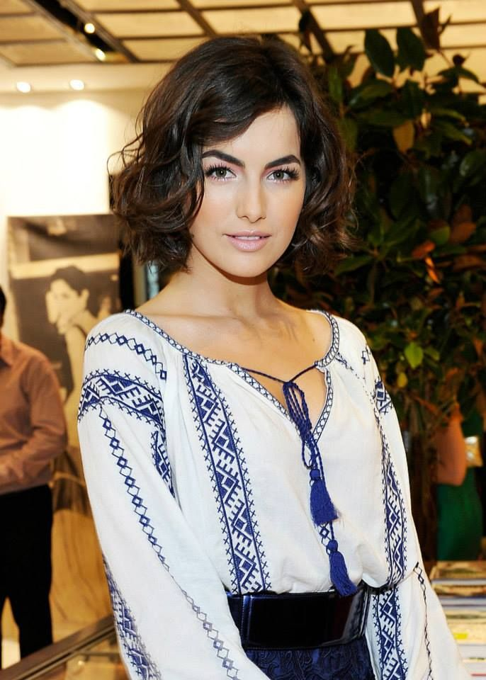#CamillaBelle in Carolina Herrera #romanianblouse