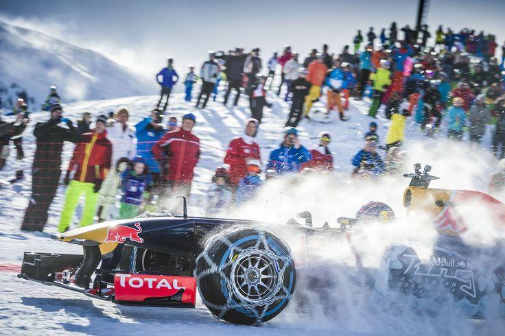 GALERIE: Tomu neuvěříte: Formule 1 se nebojí sněhu, řádí na sjezdovce v Alpách (videa)   FOTO 34   auto.cz