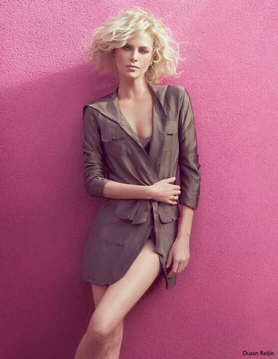 Best Short Haircuts Actresses : 118 best charlize theron muah♥ images on pinterest