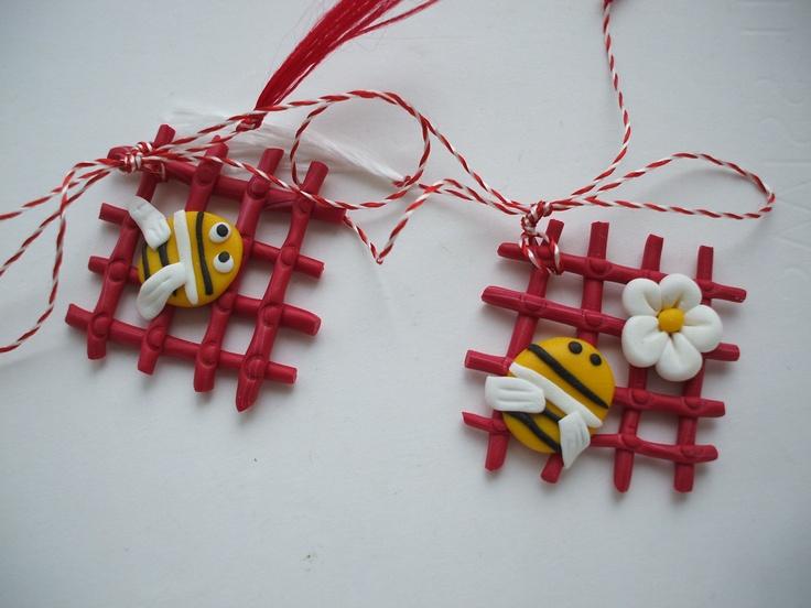 Martisoare lucrate manual: albinutze - http://martisorul.wordpress.com
