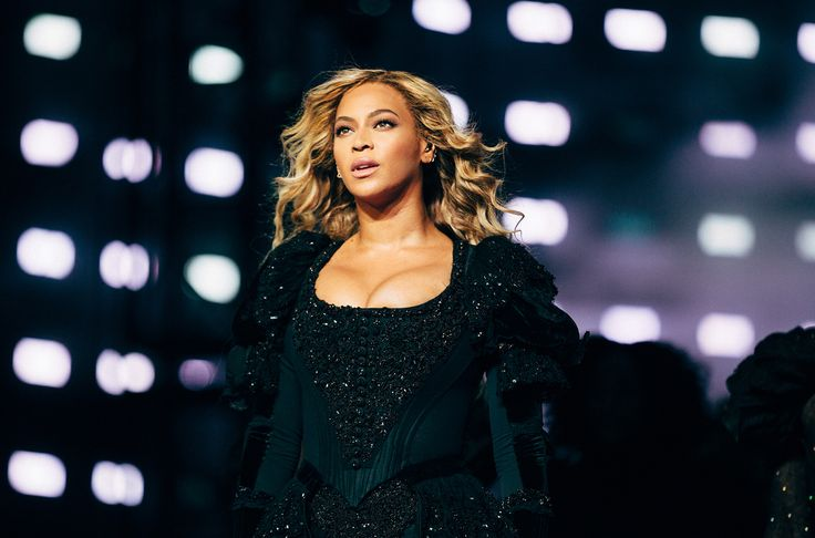 Beyonce Ties Mariah Carey For Third-Most Top 10s by a Woman on Hot R&B/Hip-Hop Songs Chart https://www.billboard.com/articles/columns/chart-beat/8046261/beyonce-eminem-walk-on-water-rb-hip-hop-songs-chart-top-10