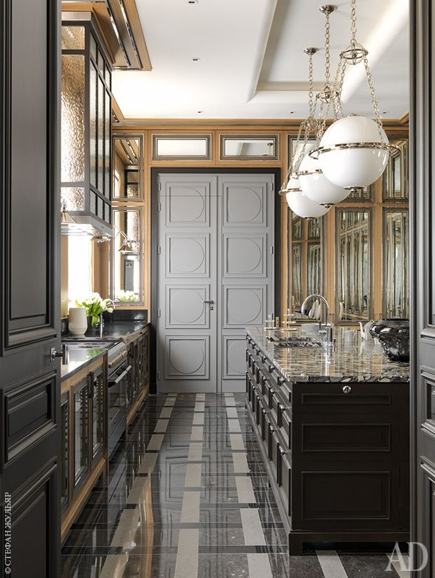 Квартира в Париже по проекту Жан-Луи Денио, 500 м²