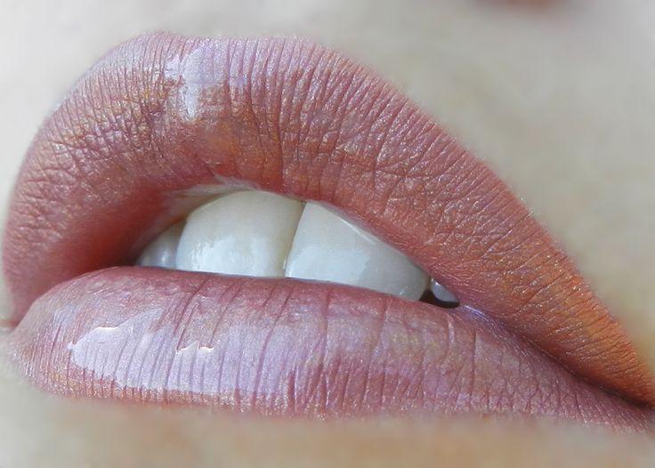 2 layers Mauve Ice #LipSense, 1 layer Beige Champagne LipSense, Topped with Pearl Gloss