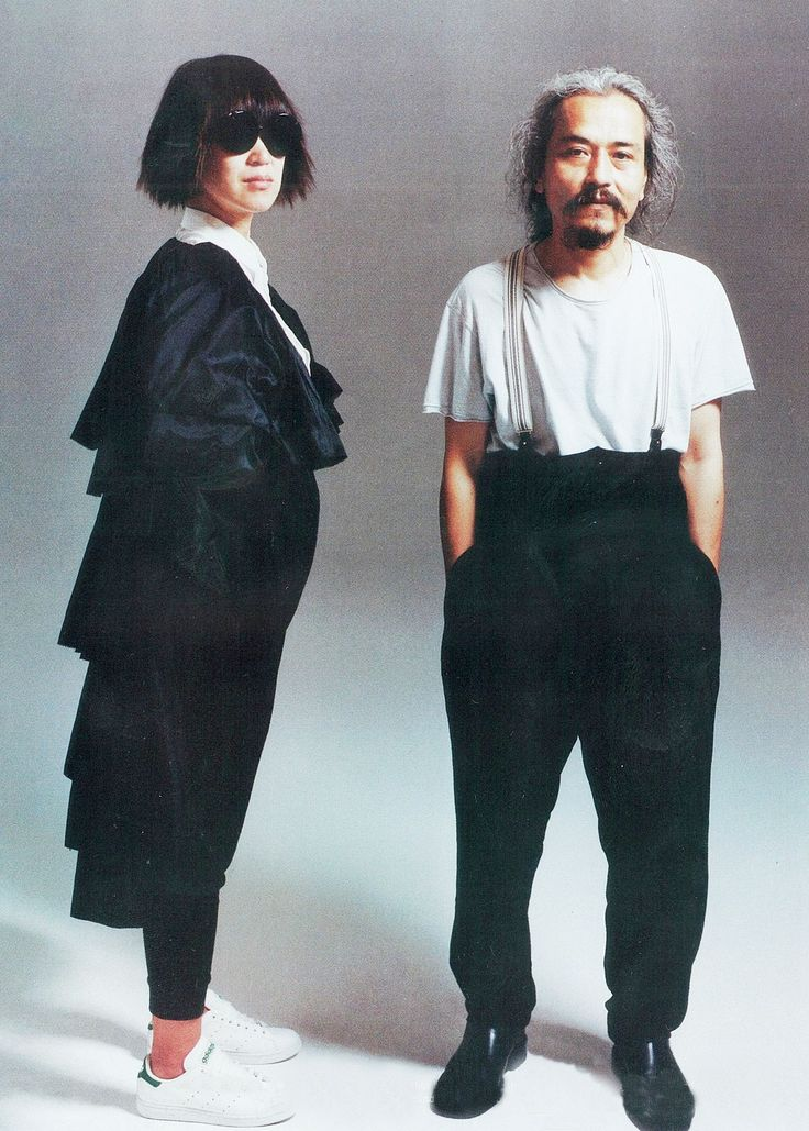 rei kawakubo and yohji yamamoto for『PAPER』magazine, september 2008 recognised instantly in the fashion industry a year after their debut collection(s) in 1982, these two designers are known for their ideas of beauty which included intentional flaws, a monochrmomatic palette, extreme proportions, drapery, asymmetry and gender neutral styles.