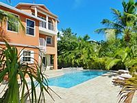 Key Largo 5 bed 5 bath, ocean w/open water, POOL jacuzzi, outdoor kitchen, tiki