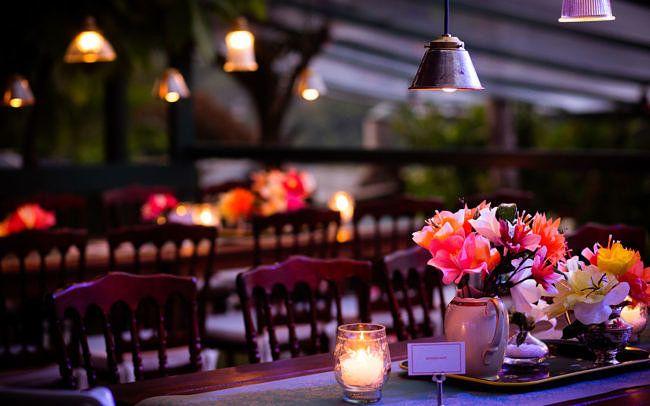 """""""mesa da família"""", casamento jovem #casamentonojardim #casamentoemcasa #decoraçãodecasamento #weddingdecor"""