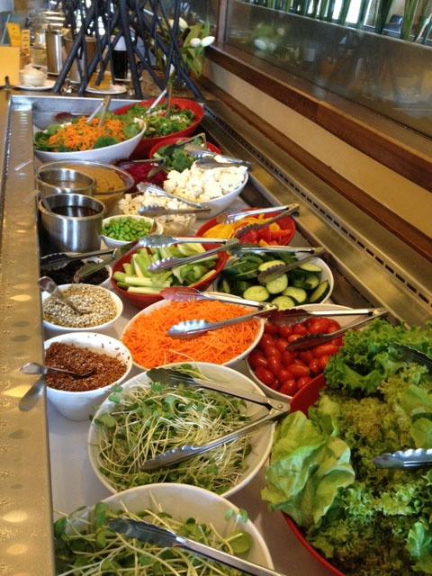 Salad bar / Bar à salade