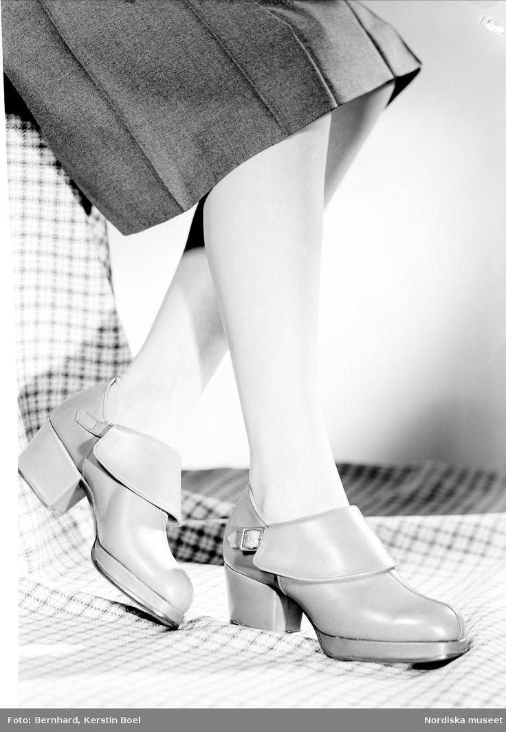 Damskor från Hästen. För Skobranschrådet. Fotograf: Kerstin Bernhard, 1947