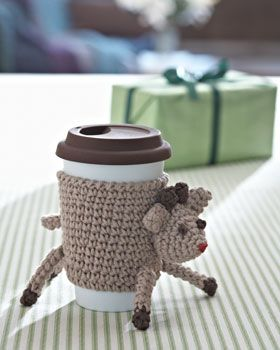 Keep drinks warm and hands comfortable with this festive Reindeer Cup Cozy. Shown in Bernat Handicrafter Cotton.
