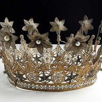 antique crown: Mercury Glasses, Folk Art, French Crowns, Tv Show, Antiques French, Princesses Crowns, Late 1800S, French Antiques, Shabby Vintage