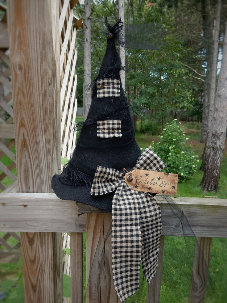 folk art primitive fall halloween black witch hat table top decoration star tag