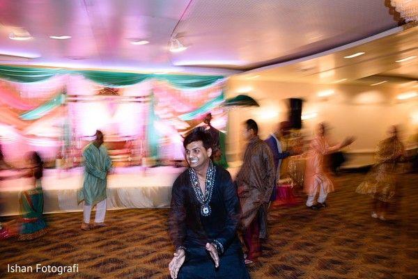 Garba dance http://www.maharaniweddings.com/gallery/photo/107827