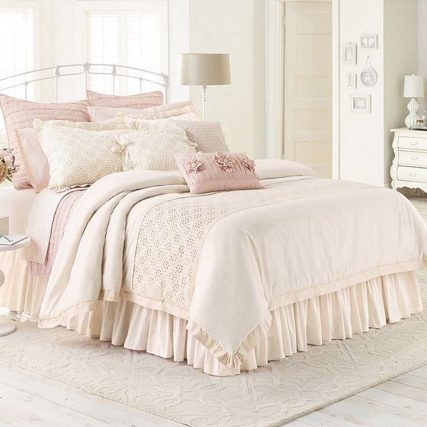 We've got great Cyber Monday sales and deals! Shop Better Homes & Gardens has amazing LC Lauren Conrad bedding sets deals. Get them before they are gone.
