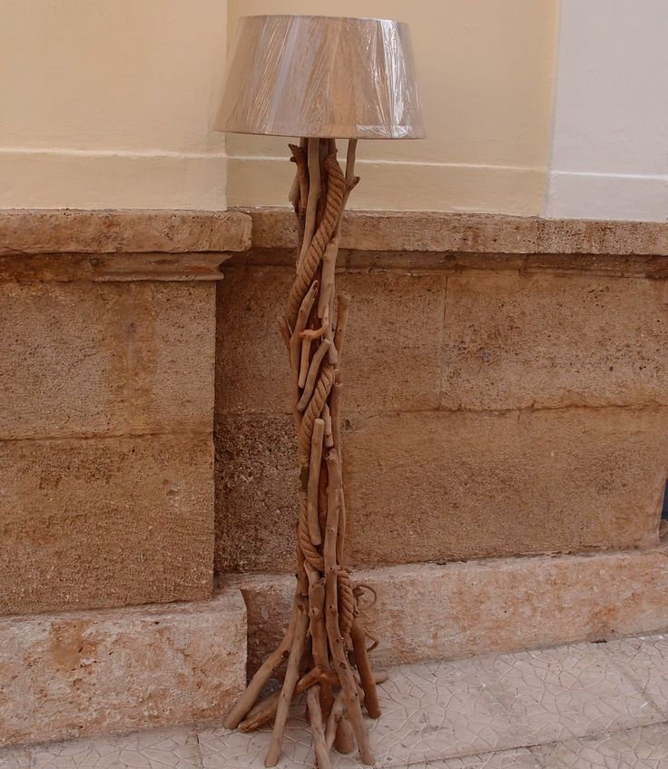 επιδαπέδιο φωτιστικό από θαλασσοξυλα με καπέλο λινάτσα..διαστάσεις 172 cm.τηλ.6976773699 ...floor lamps by driftwood