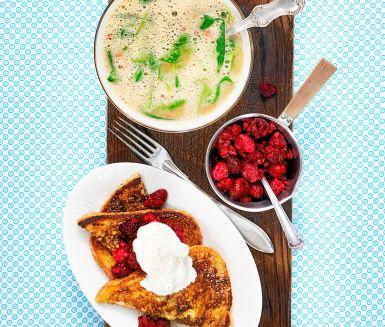 Fattiga riddare går snabbt att laga och är ett klassiskt recept som fungerar perfekt som efterrätt eller tillbehör till huvudrätten (till exempel soppa). Doppa toastbröd i äggsmet och stek sedan det smetdoppade brödet frasigt och gyllenbrunt. Strö över socker och kanel och servera med fluffig vispgrädde och söta hallon.