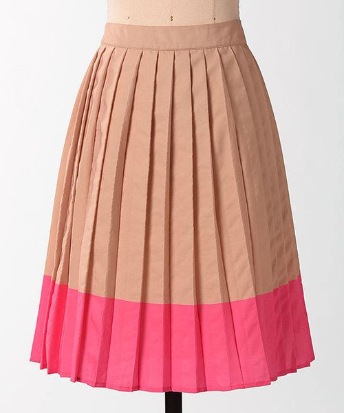 <p+style='margin-bottom:0px;'>Combining+vintage+style+and+modern+sensibilities,+this+skirt+is+a+beautiful+addition+to+any+ensemble.+With+two-tone+color+and+playful+accordion+pleats,+it's+guaranteed+to+charm.<p+style='margin-bottom:0px;'><li+style='margin-bottom:0px;'>100%+polyester<li+style='margin-bottom:0px;'>Hand+wash;+dry+flat<li+style='margin-bottom:0px;'>Imported<br+/>