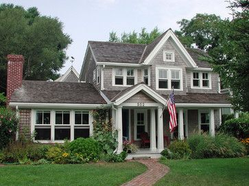so charming!  I say that about all of the houses I love but this one really IS!