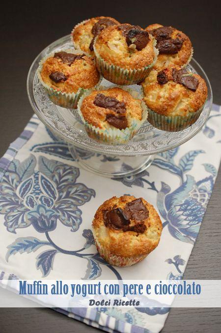 Muffin allo yogurt con pere e cioccolato #muffin