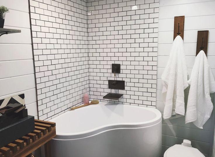 Best 25+ Corner Tub Ideas On Pinterest