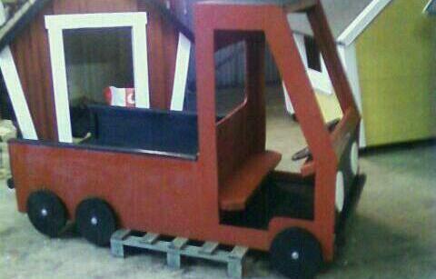 Red Lastbil / Wagon