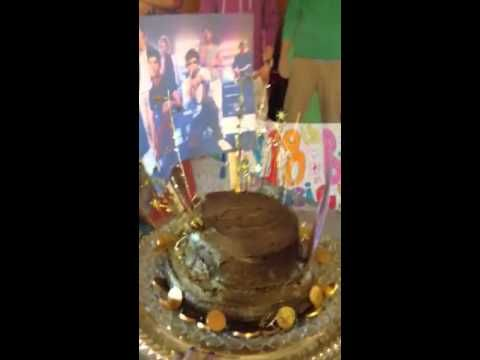 10 Golden birthday cakes Pinterest