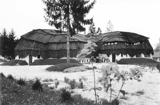 Bak Community Centre 1985-88