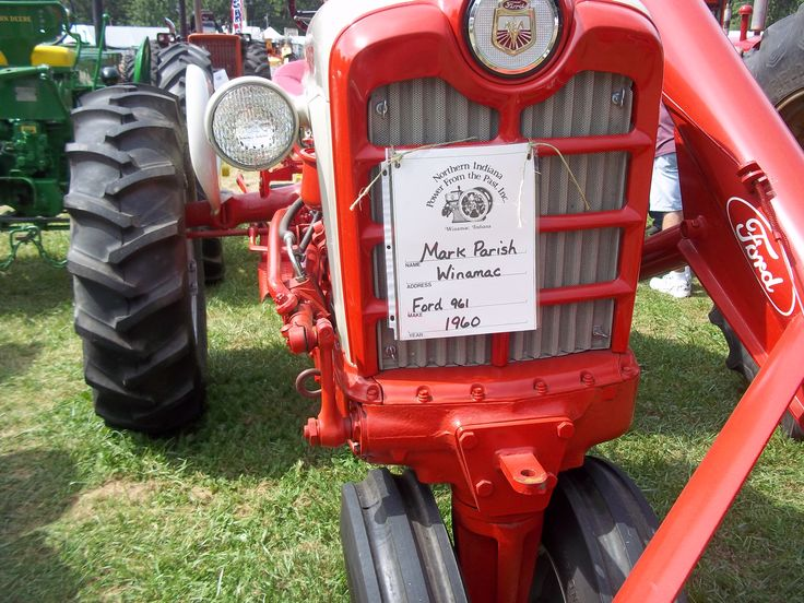 Ford Loader Arms : Ford tractor with arm loader tractors