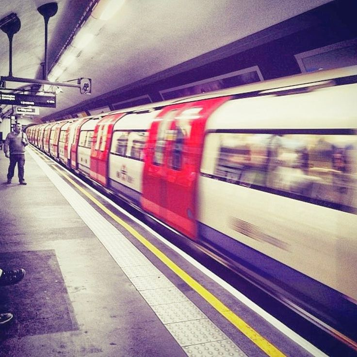 "149 Likes, 3 Comments - Sarah (@mrssarah_s) on Instagram: ""Day 14 - in motion #fmsphotoaday #fmspad #fms_inmotion #london #londonlife #tfl #tube #british…"""