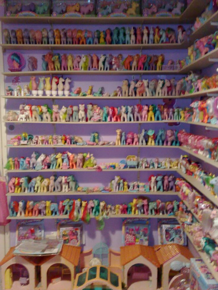 Pony shelves!  (Kisscurl's pony room)