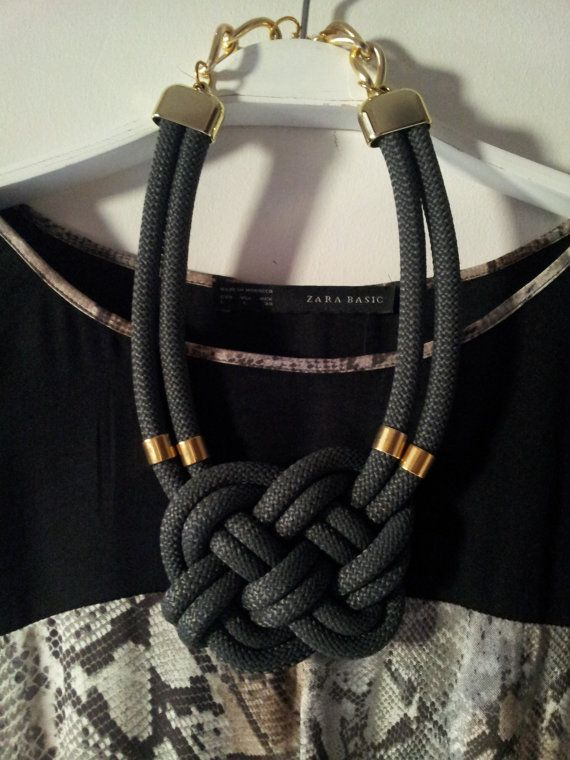eternal symbol necklaceblue knot di Nefelislittlestore su Etsy, €21.00