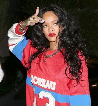 Rihanna Long Black Curly hair