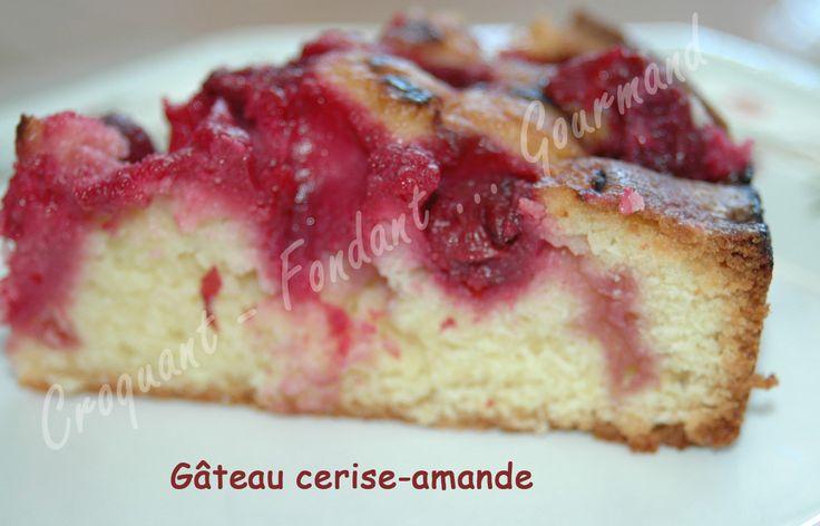 Ce gâteau cerise-amande est à faire à la saison des cerises ou avec des cerises surgelées. La pâte agrémentée de poudre d'amandes est légère et délicieuse!