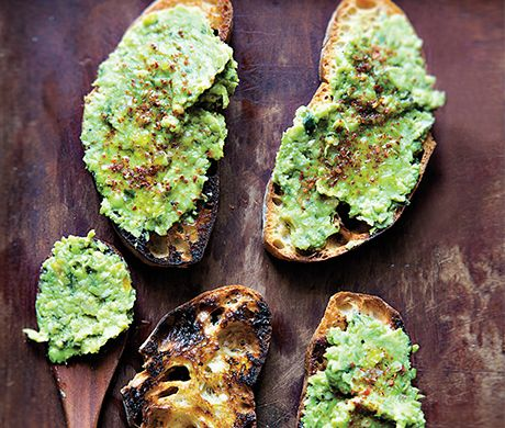 Toast with Lemony Pea Mash Photo - Party Hors Doeuvres Recipe | Epicurious.com