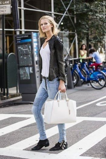 Toni Garrn with a CosmoBag in White. #Porsche Design #ToniGarrn #StreetStyle