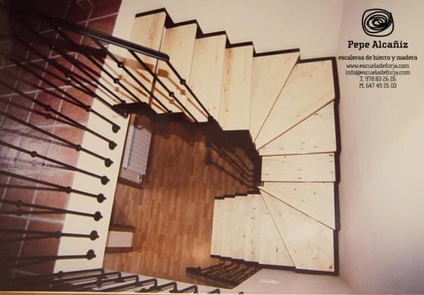 38 best images about escaleras on pinterest - Escalera de buhardilla ...