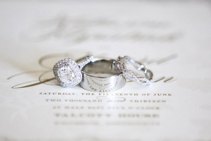 Wedding Rings   On SMP:  www.StyleMePretty...  Photography: Tanya Salazar