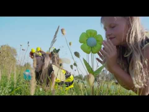 Pesničku z úžasnej muzikálovej rozprávky nájdete na DVD - VÍLA ELLA a zvieratká pre vaše slniečka... Zakúpite na www.VILA ELLA.sk a vo všetkých dobrých obcho...