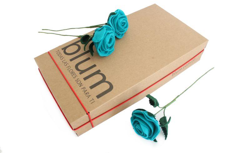 Caja de Rosas turquesa, hechas a mano en fieltro Cel o Whatsapp 3105802725 http://www.blum.com.co/cajas_de_rosas #blum #fieltro #rosas #hechoamano
